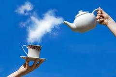Tasse de thé dans le ciel Photos stock