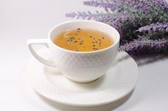 Tasse de thé de lavande Image libre de droits
