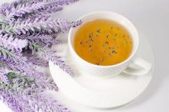 Tasse de thé de lavande Photos libres de droits