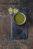 Tasse de thé de matcha Photo stock