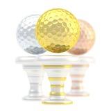 Tasse de trophée de sport de boule de golf de récompense Photographie stock libre de droits
