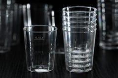 Tasse en plastique transparente Images stock
