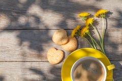 Tasse et biscuits de café Image libre de droits