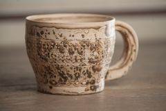 Tasse handcrafted traditionnelle Photo stock