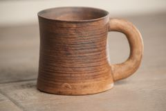 Tasse handcrafted traditionnelle Photographie stock