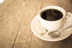 Tasse Kaffee auf der Tabelle Stockfotografie