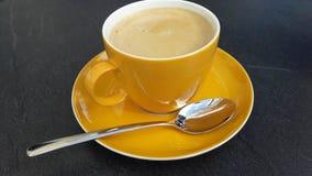 Tasse Kaffee auf einem Saucer Stockfoto