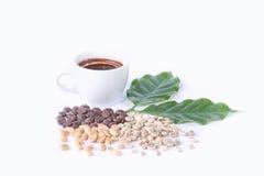 Tasse Kaffee auf einem weißen Hintergrund (getrennt mit Pfad) Stockfoto