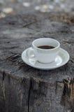 Tasse Kaffee im Freien Stockbild