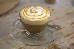 Tasse Kaffee latte lizenzfreie stockbilder