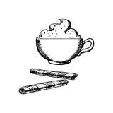Tasse Kaffee mit Sahne und Oblatenrollen Lizenzfreies Stockbild