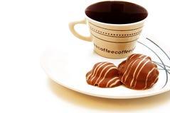 Tasse Kaffee mit Schokolade Stockfoto