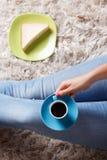 Tasse Kaffee und ein Sandwich Lizenzfreie Stockfotos