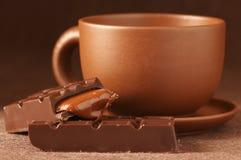 Tasse Kaffee und Schokolade Stockfoto