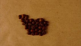 Tasse Kaffee von den Kaffeebohnen stoppen Bewegung stock footage