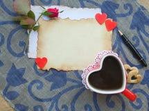 Tasse sous forme de coeur et espace libre pour un texte Image stock