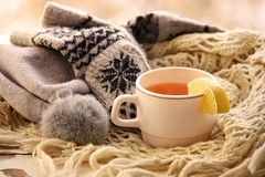 Tasse Tee im Winter Stockfoto