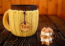 Tasse Tee mit Zucker Stockbild