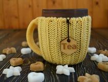Tasse Tee mit Zucker Stockfoto