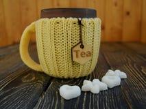 Tasse Tee mit Zucker Lizenzfreies Stockfoto