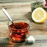 Tasse Tee und Blumen Lizenzfreies Stockbild