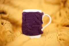Tasse tricotée Images libres de droits