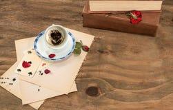 Tasse vide avec des marcs de café Photographie stock