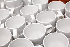 Tasses blanches Photographie stock libre de droits