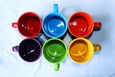Tasses colorées 6 PCs Photo stock