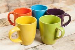 Tasses de couleur Photos stock