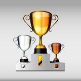 Tasses de victoire ou trophées or, argent et bronze, illust Photo libre de droits