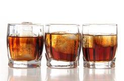 Tasses de whiskey Images libres de droits