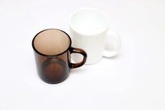 Tasses noires et blanches Images stock