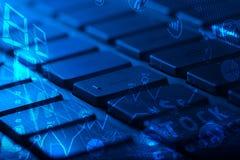 Tastatur mit glühenden Geschäftsikonen Lizenzfreie Stockfotos