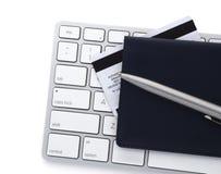 Tastatur und Maus gestalten Zurückstellung für Abschreibungen und zwanzig Dollarscheine Lizenzfreie Stockfotografie