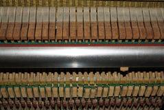 Tasten des alten Klaviers lizenzfreie stockbilder