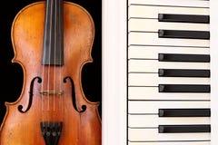 Tasti del piano e del violino Fotografia Stock Libera da Diritti