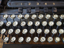 Tasti su una vecchia macchina da scrivere Fotografia Stock Libera da Diritti