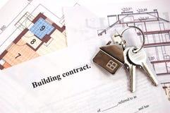 Tasti sul contratto di costruzione Fotografie Stock Libere da Diritti