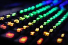 Tastiera accesa posteriore di gioco del computer con i colori di pendenza di RGB fotografia stock