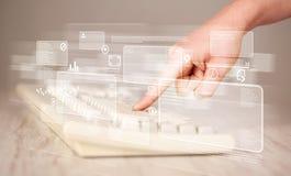 Tastiera commovente della mano con i bottoni alta tecnologia Immagine Stock