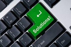 Tastiera con la soluzione chiave verde Fotografia Stock Libera da Diritti