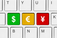 Tastiera di calcolatore con i tasti dei soldi Fotografia Stock