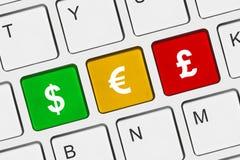 Tastiera di calcolatore con i tasti dei soldi Immagine Stock