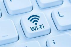 Tastiera di computer blu di Internet del collegamento di punto caldo di Wi-Fi WiFi Fotografia Stock Libera da Diritti