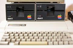Tastiera vaga e unità disco del calcolatore Apple invecchiato Fotografia Stock