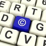 Tasto del computer blu di Copyright che mostra brevetto o marchio di fabbrica Immagine Stock