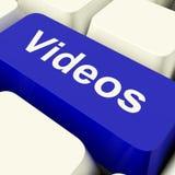 Tasto del computer dei video in Dvd di mostra blu o nelle multimedia Fotografia Stock Libera da Diritti