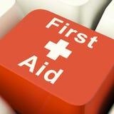Tasto del computer del pronto soccorso che mostra ad emergenza aiuto medico Fotografia Stock