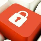 Tasto del computer dell'icona del lucchetto che mostrano sicurezza di sicurezza e protetto Fotografie Stock Libere da Diritti